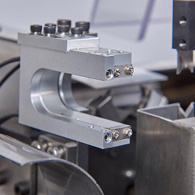 端子感应器和剥胶皮感应器