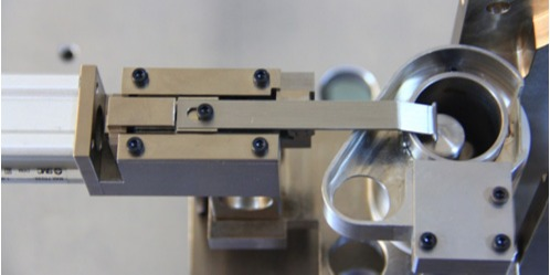 全自动裁线沾锡机在操作过程中需要注意哪些事项
